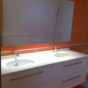 Baño doble lacado en blanco realizado a un cliente de Manises